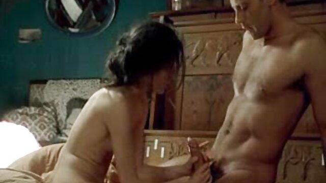 Gangbang Archive Sex MILF affamée avec 10 mecs film porno esbienne
